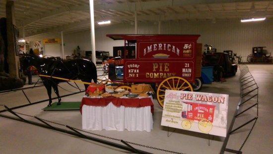 Auburn, IN: Kruse Automotive & Carriage Museum