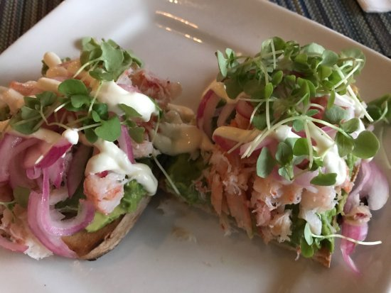 Osterville, MA: Avocado toast special and amazing sunset
