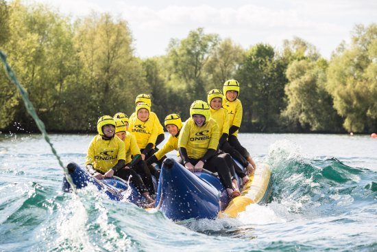 Datchet, UK: Loads of fun on a banana boat ride