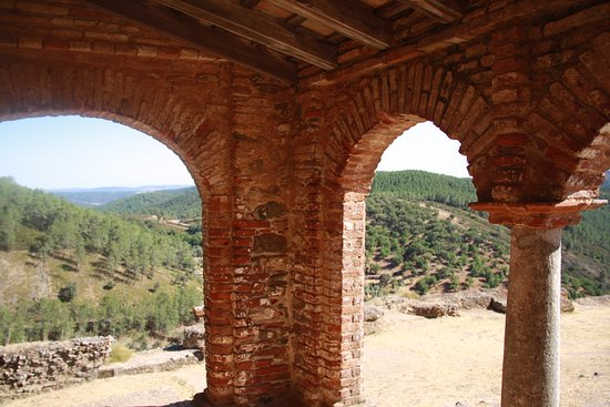 Almonaster La Real, Spain: Perspectiva do interior