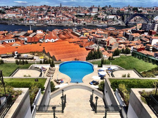 The Yeatman : View of pool and Porto