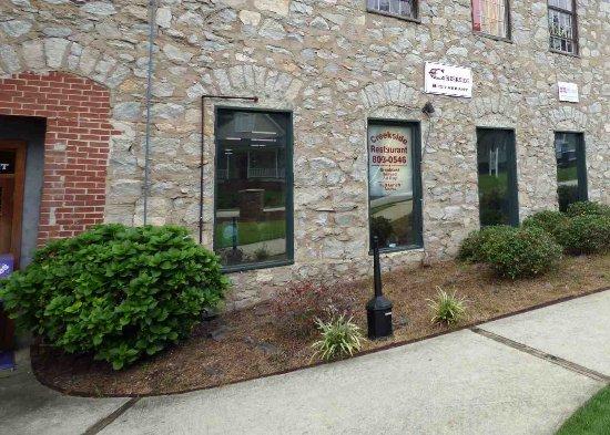 Lexington, Güney Carolina: Creekside Restaruant street view and entrance