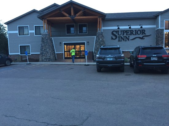 Best Western Plus Superior Inn & Suites: New front of the hotel.