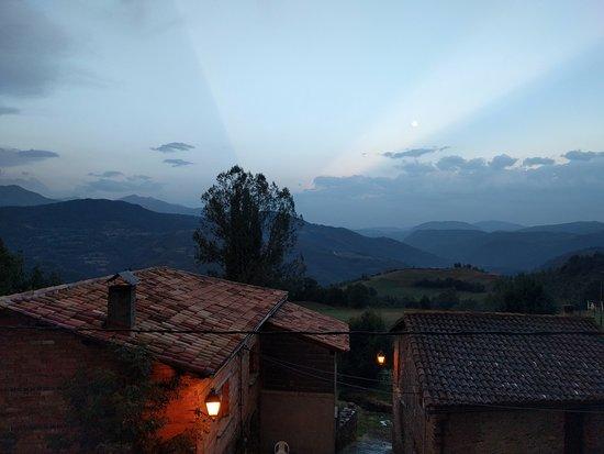 Laspaules, Spanien: Anochecer desde la terraza