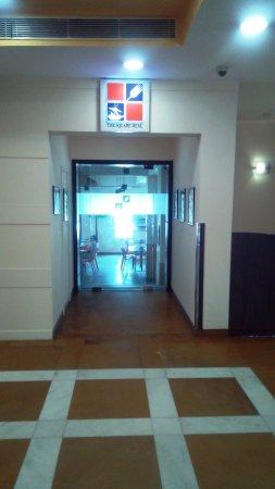 Ginger New Delhi: Entry to Restaurant