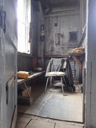 Mayflower Gold Mill: More time-capsule; this was the bucket tram office.