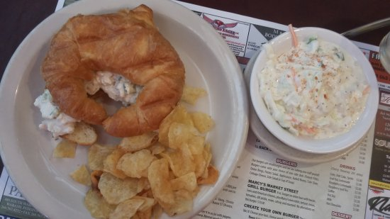 Wabash, IN: Chicken Salad with coleslaw and fresh chips