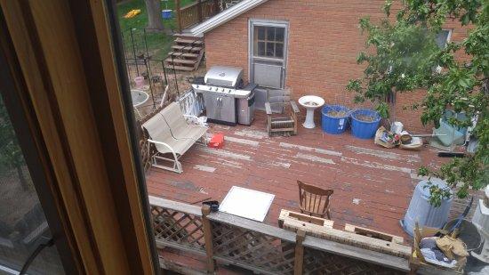 Starlight Lodge: Neighbors house from hotel window