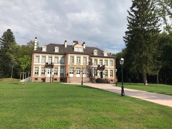 Chateau hochberg hotel wingen sur moder france voir for Hotels wingen sur moder