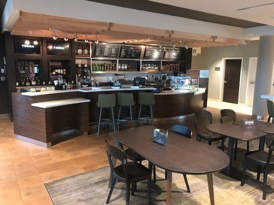 Saint Peters, MO: lobby bar