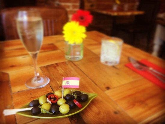 Stevenage, UK: Spanish Olives 🍈