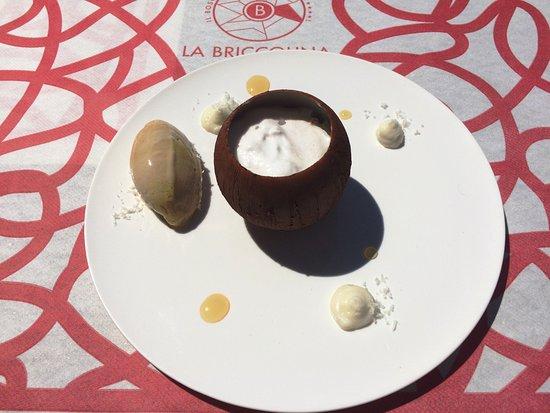 Serralunga d'Alba, Italien: Cocco, banana e mango