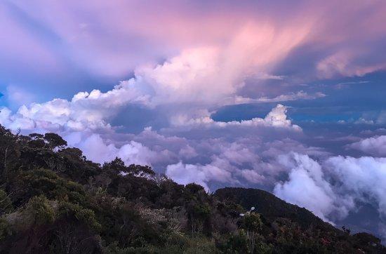 Эмблсайд, UK: Cloud rising at Pendant Hut