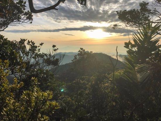 Эмблсайд, UK: Climbing Trus Madi