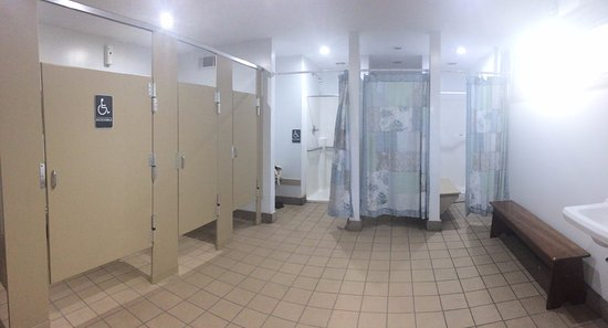 Blakeslee, PA: Women's room in main bathhouse. View #3