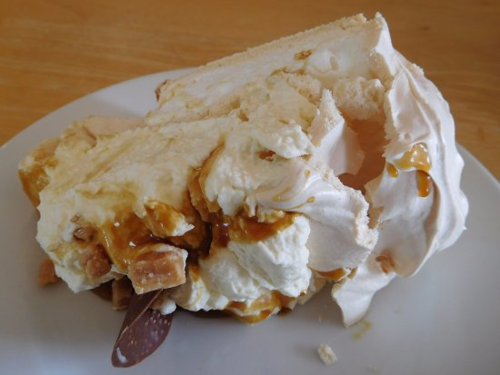 Lossiemouth, UK: Pavlova to die for!
