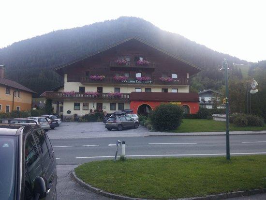 St. Martin am Tennengebirge, Österreich: 20170815_195408_large.jpg