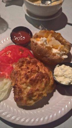Millersville, แมรี่แลนด์: crabcake platter