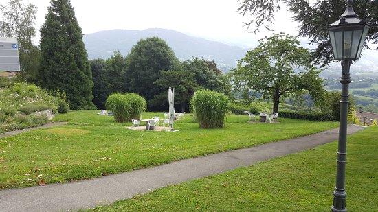 Jongny, İsviçre: Jardín