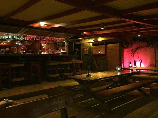 Calmos Cafe: photo1.jpg