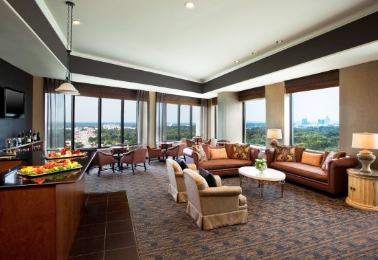 sheraton greensboro at four seasons 135 1 4 5. Black Bedroom Furniture Sets. Home Design Ideas