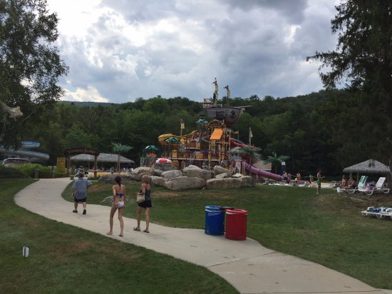 Whales Tale Waterpark: We all laughed in this area!