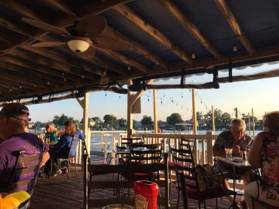 Middle River, MD: Outside deck of Carson's Creekside Restaurant - gorgeous!
