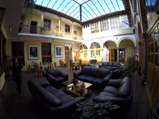 Los Andes De America Hotel: Comfortable courtyard to hang out and drink tea.