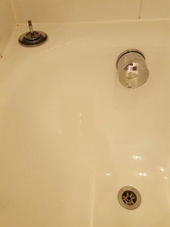 Thistle Kensington Gardens: They never did fix the bathtub drain