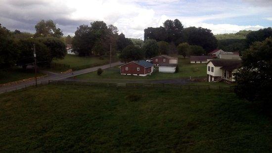 Galax, VA: Interesante vista de granjas de la zona