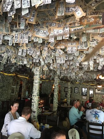 Little Gasparilla Island, ฟลอริด้า: Money falling from the roof at Cabbage Key Inn & Restaurant