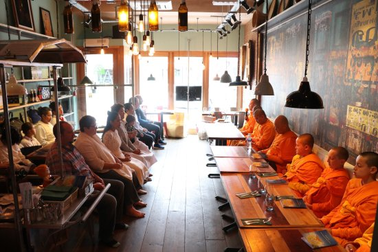 Bramhall, UK: The restaurant was blessed by Buddhist Monks and Novices.