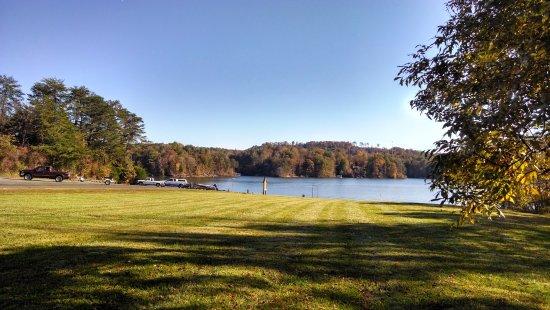 Wilkesboro, Carolina del Nord: Smithey's Creek recreational area at Kerr Scott Lake