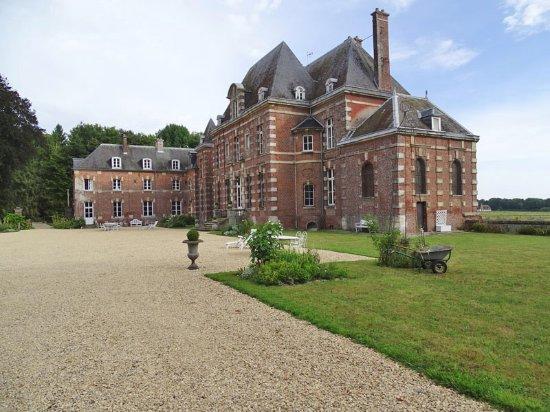 Berneuil-en-Bray, France: Vue générale du château