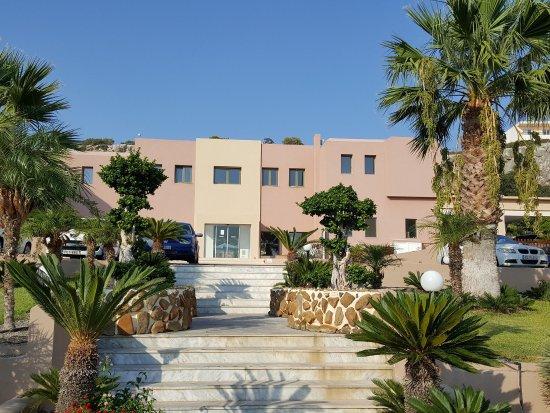Finas Hotel Apartments