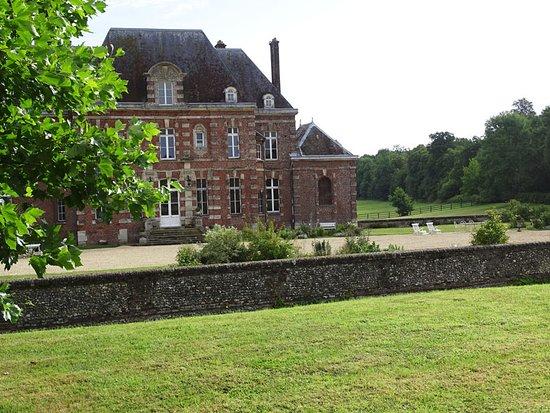 Berneuil-en-Bray, France: Vue générale château d'Auteuil !
