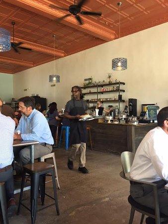 Monroe, Carolina del Norte: Bar and order area