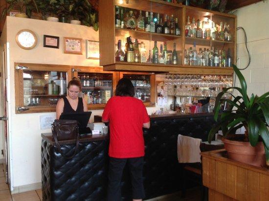 เทรล, แคนาดา: Bar area