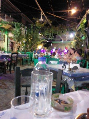 Livadia, Grækenland: TA_IMG_20170816_221320_large.jpg