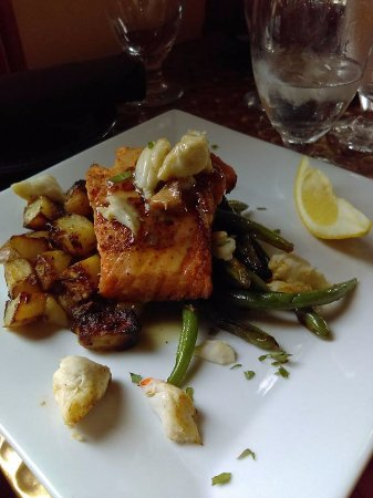 Media, PA: Salmon with crabmeat- lunch