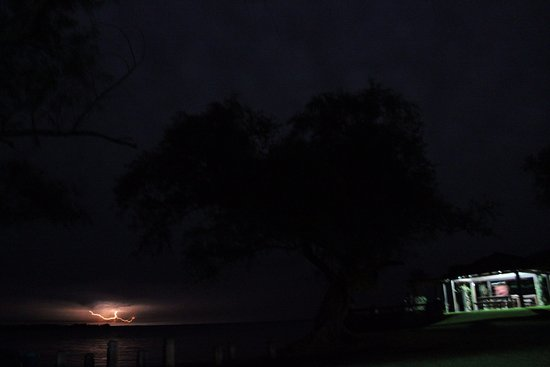 Carlos Pellegrini, Argentina: Noche de tormenta. Espectacular!