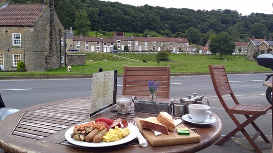 Hutton le Hole, UK: Breakfast what a feast.....
