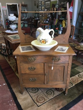 Taylor, TX: Antique Washstand