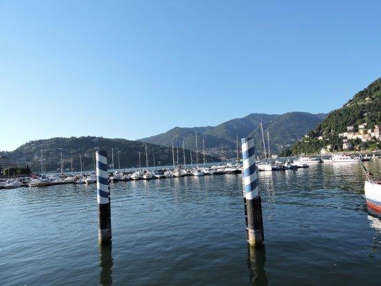 Lombardy, Italy: de vele bootjes bij de brug