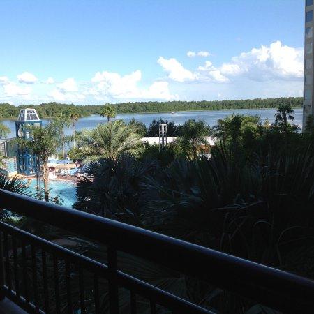 Bay Lake Tower At Disney S Contemporary Resort Updated