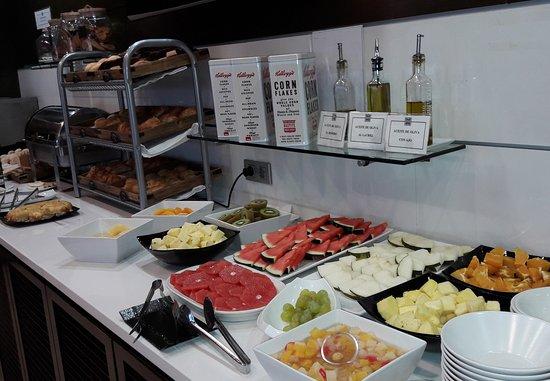 Hotel Zenit Pamplona : Desayuno