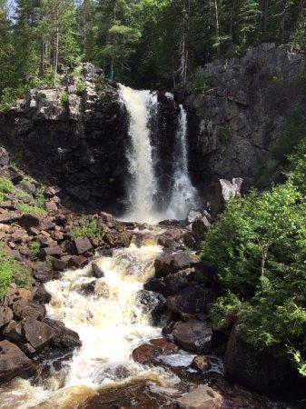 Saint-Come, Canada: La jolie chute.