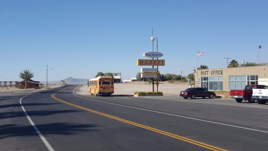 Shoshone, CA: LA route et le POST OFFICE