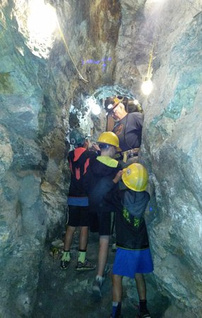 Hidee Gold Mine: On the tour