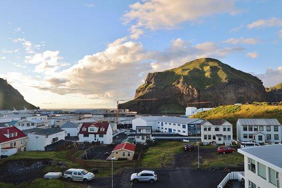 Vestmannaeyjar, Ισλανδία: Spectacular views - Room 424 looking towards the port.